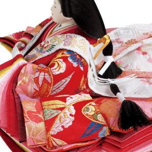 会田春水作 瑞鳳 親王平飾り 十枚重ねの袖のグラデーションが美しい、量感豊かなお姫様の衣裳が高級感を演出します。