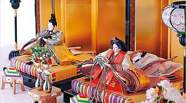 京びなの技術を継承し、伝統を今に伝える「京都雛の会」の匠によるひな飾り